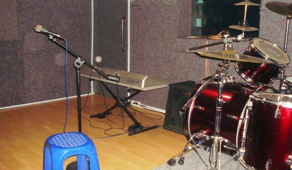studio musik sederhana